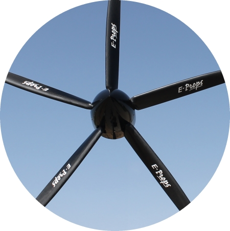 propeller GLORIEUSE 5-blades in flight variable pitch